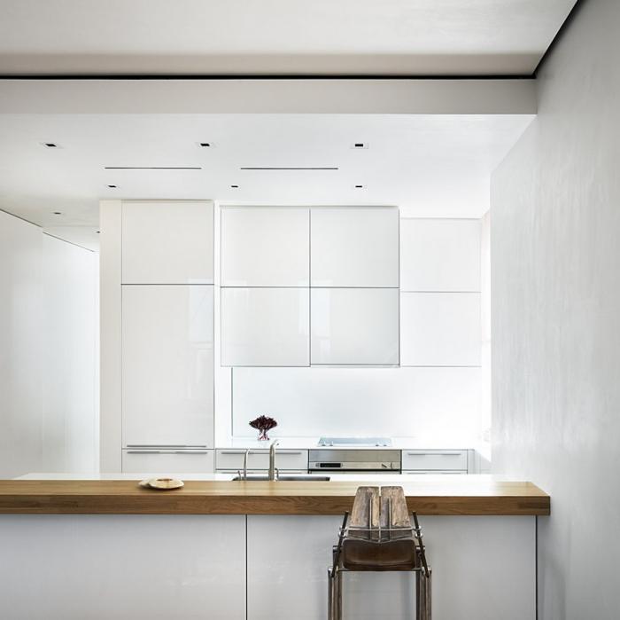 700_richard-meier-white-kitchen