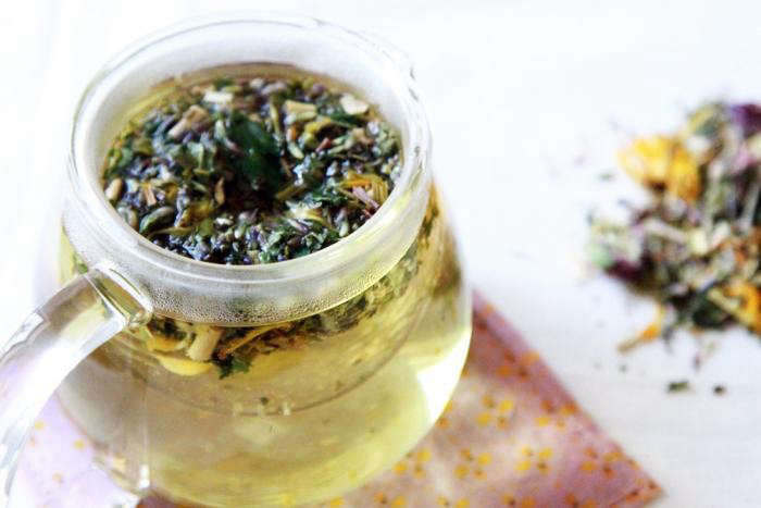 700_steeping-allergy-tea