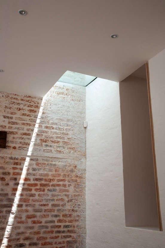 ink-design-brick-wall-light