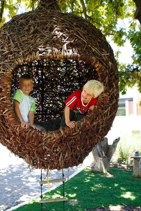 porky-hefer-weaver-nest