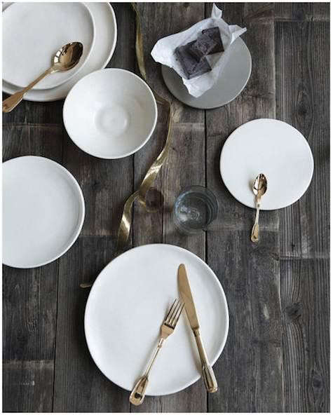 Classico-cutlery-set-table-shot