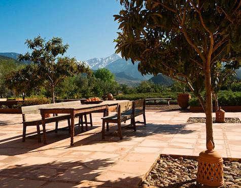 kasbah-bab-outdoor-table