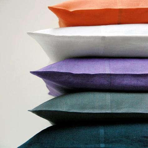 simone-linens-pillows