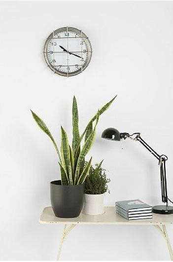 urban-outfitters-clock-2