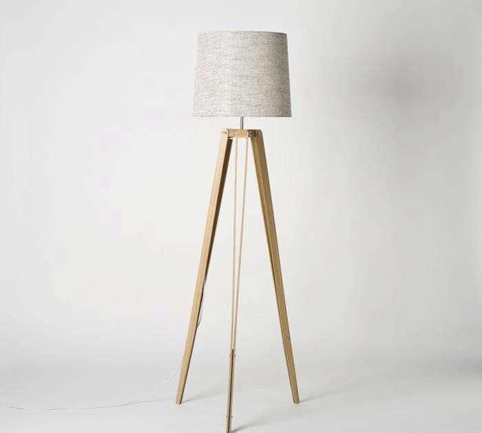 700_1700-1rs-tripod-lamp