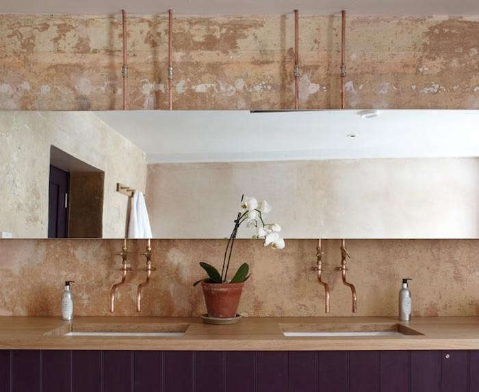 700_archangel-copper-pipes-bathroom
