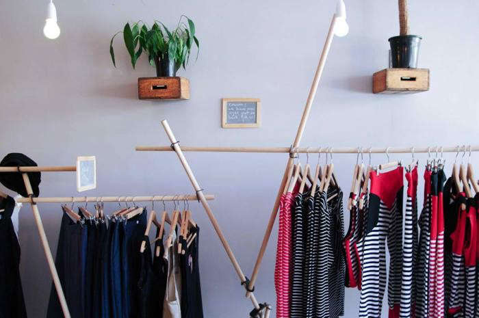 700_coat-hanger-clothing-on-rack-striped-clothes