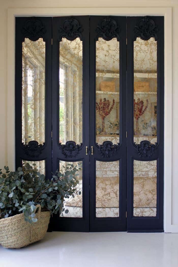 700_disc-interiors-west-la-mirrored-doors-2