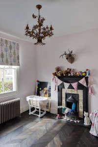 London-Fields-summer-meadow-pink-bedroom