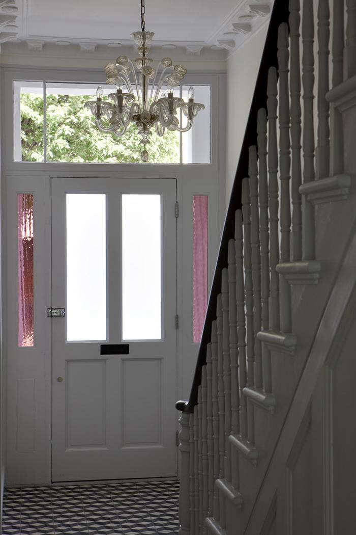 700_elrington-road-entryway-pink-glass