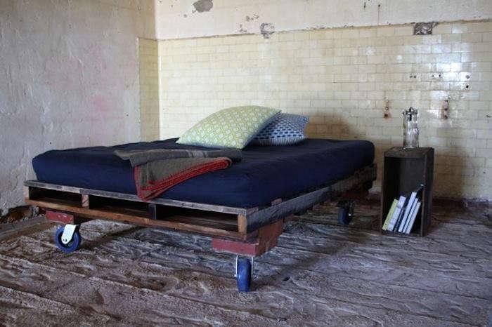700_greg-hatton-pallet-bed