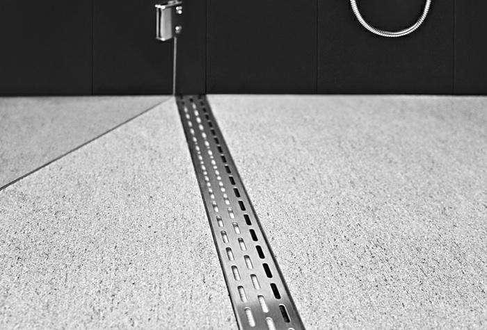 700_infinity-drain-threshold-linear