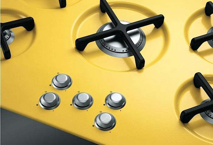 700_marc-newson-yellow-cook-top