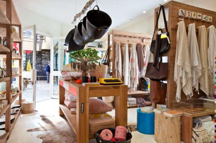700_mark-tuckey-store-linens-hanging