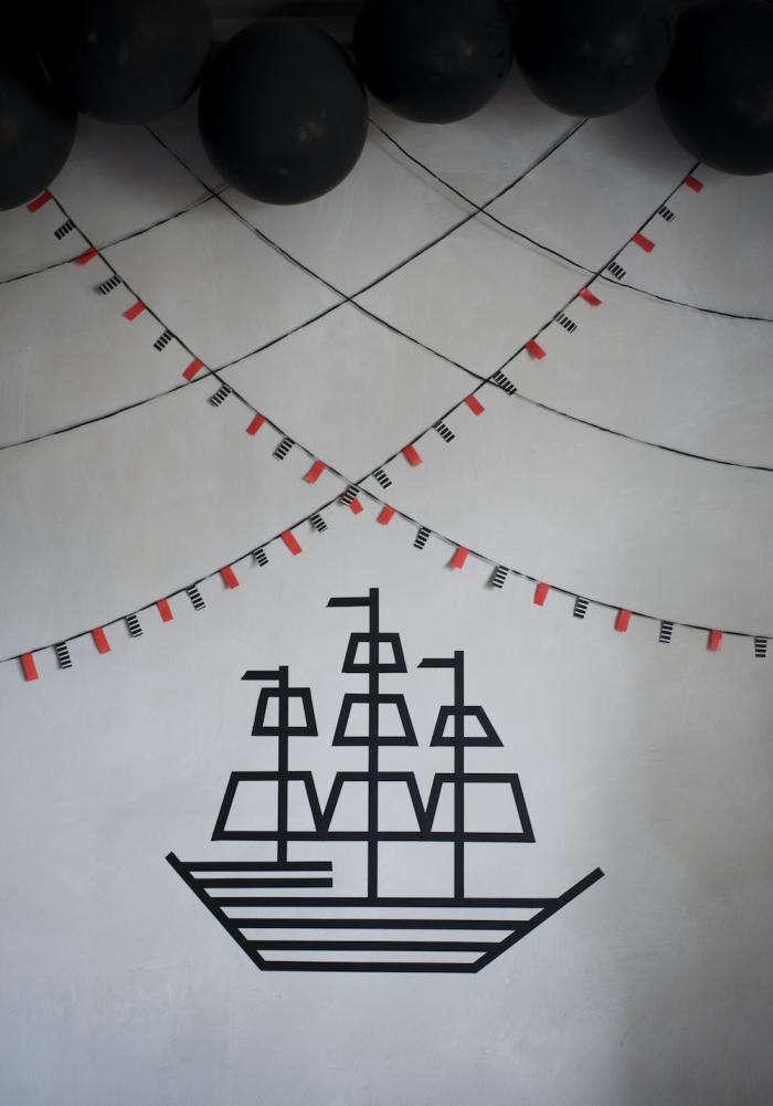 700_marlen-large-photo-pirate-wall-decor