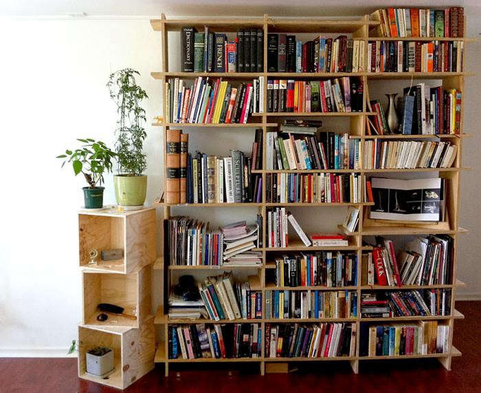 700_plywood-shelves-with-books-like-butter