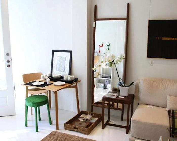 700_small-spaces-table