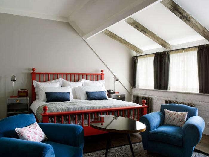 700_soho-house-bedroom