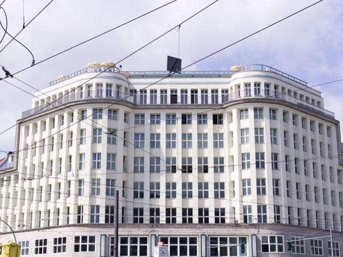 700_soho-house-exterior
