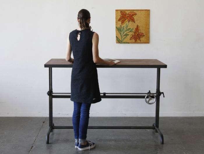 700_standing-desk-1