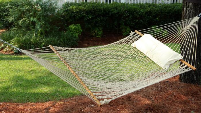 700_white-rope-hammock