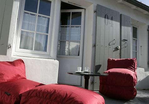 bois-flottais-red-chair-19
