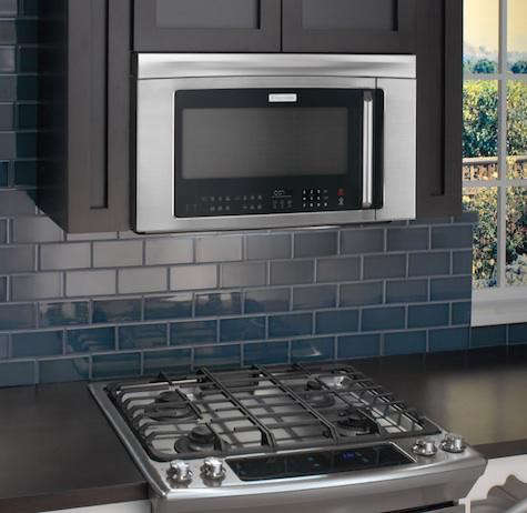 electrolux-microwave-blue-tile