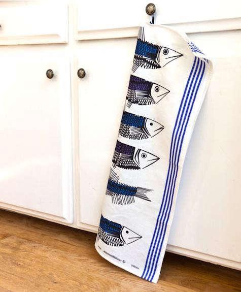 huset-fish-tea-towel-2
