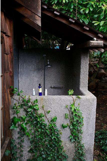 mankas-outdoor-shower-flickr