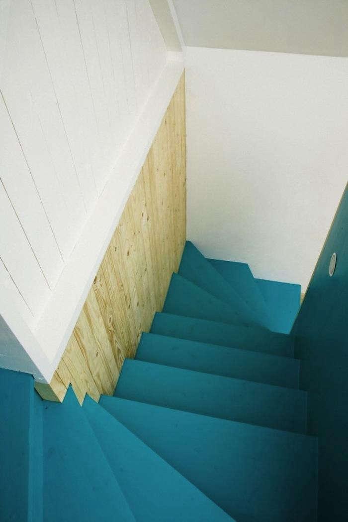 700_1lasc-stairway-blue
