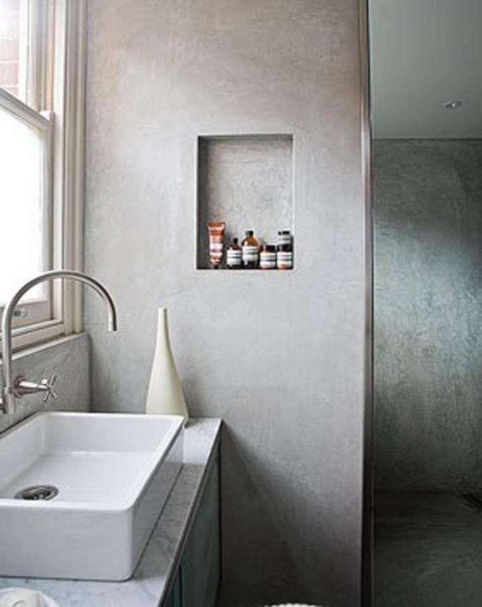 700_1modern-bathroom-with-tiny-wall-niche-storage