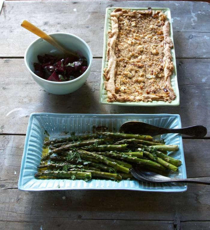 700_26-two-platters-beetsremodelista