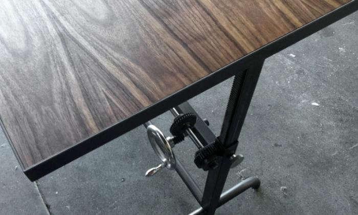 700_adler-standing-desk-4