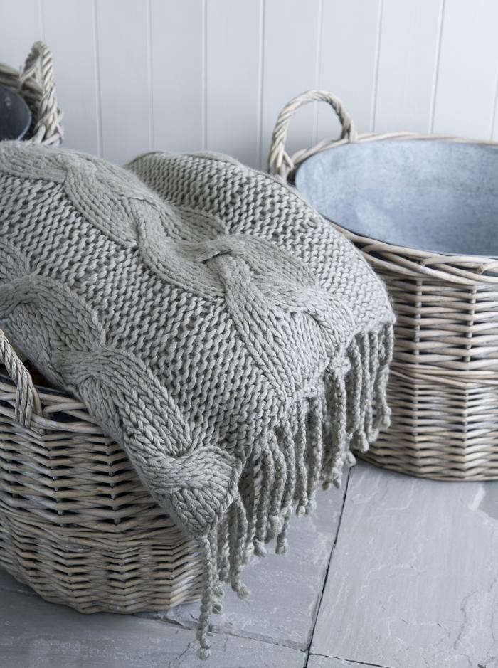 700_blanket-and-basket