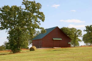Heritage-Barns-red-barn