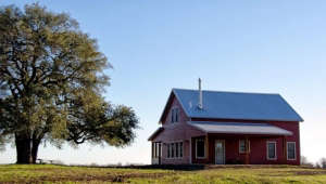 Heritage-Barns-red-barn