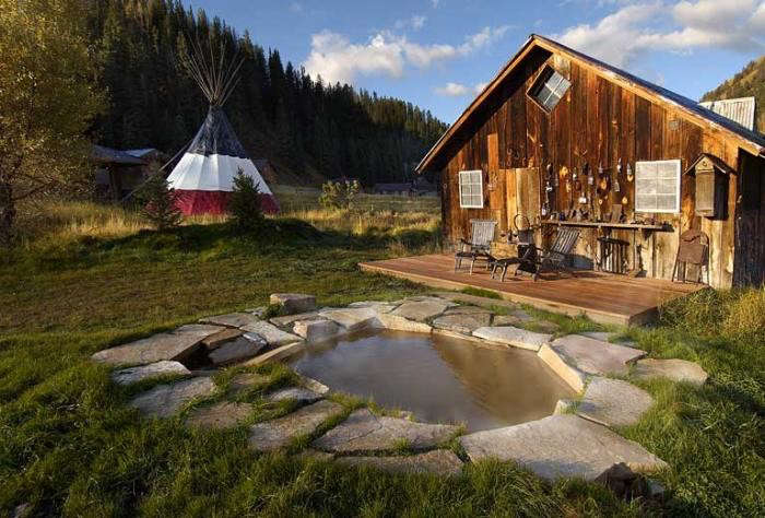700_hot-springs-dunton-cabin-and-front-yard
