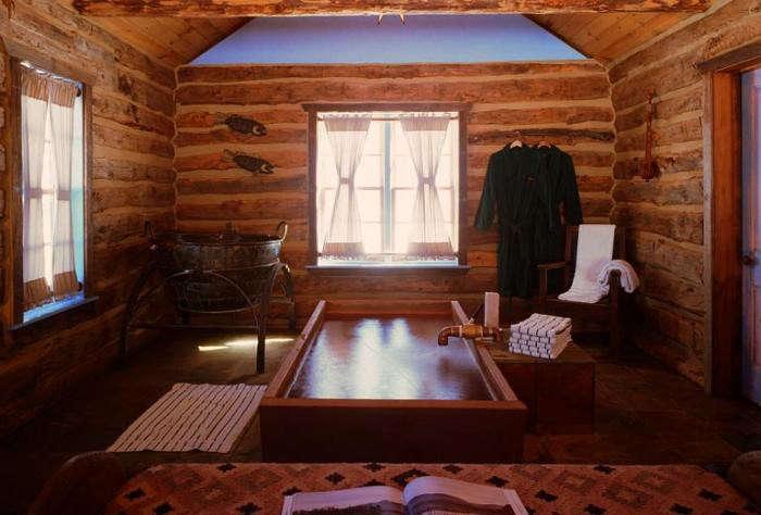 700_hot-springs-dunton-camping-indoor-room-cabin
