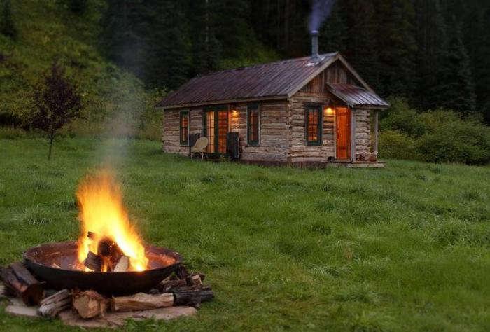700_hot-springs-outdoor-campfire
