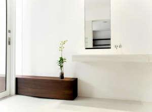 Julian-King-Architect-Chelsea-townhouse-white-master-bathroom-teak-bench