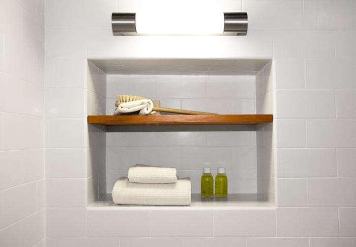 700_magdelena-niche-in-shower-white-tile