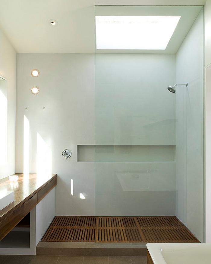 700_modern-walk-in-shower-with-niche