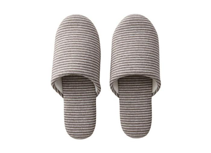 700_muji-slippers-in-brown