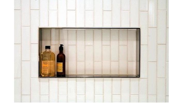 700_niche-tiled-bath-in-the-lucida-bath