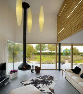 Platform-5-Meadowview-modern-house-hanging-fireplace-oblong-pendants-floor-to-ceiling-glass