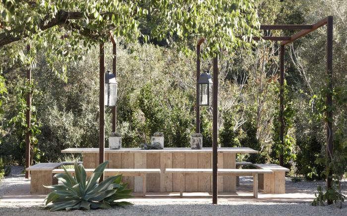 700_ranch-live-oaks-malibu-outdoors-photo