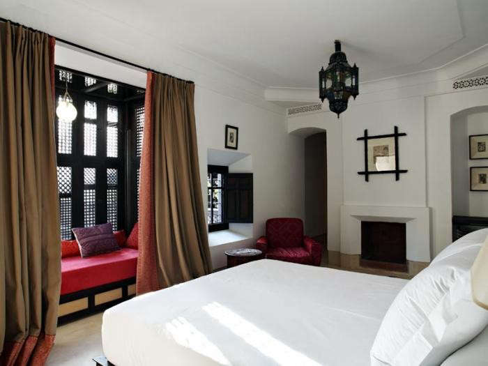 700_riad-curtains-and-red-chair