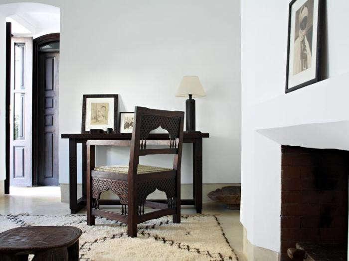 700_riad-dix-neuf-table-and-chair