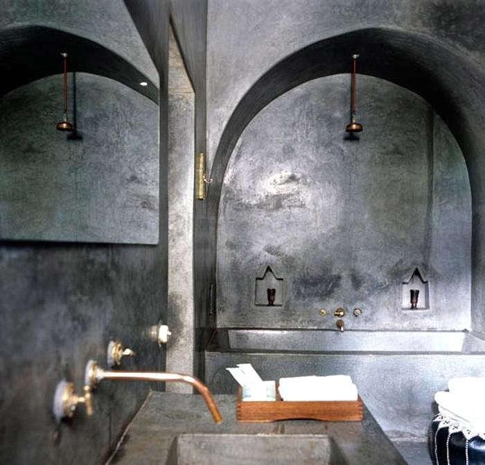 700_riad-sharai-grey-walls-jpeg