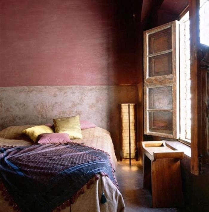 700_riad-sharai-pink-walls-jpeg